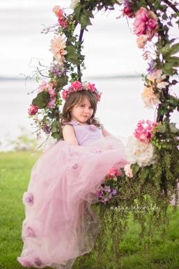 Flower swing dollcake